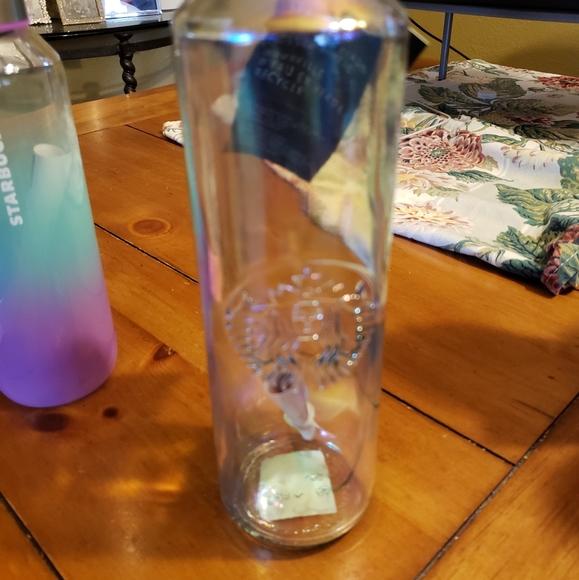 New glass 20oz water bottle